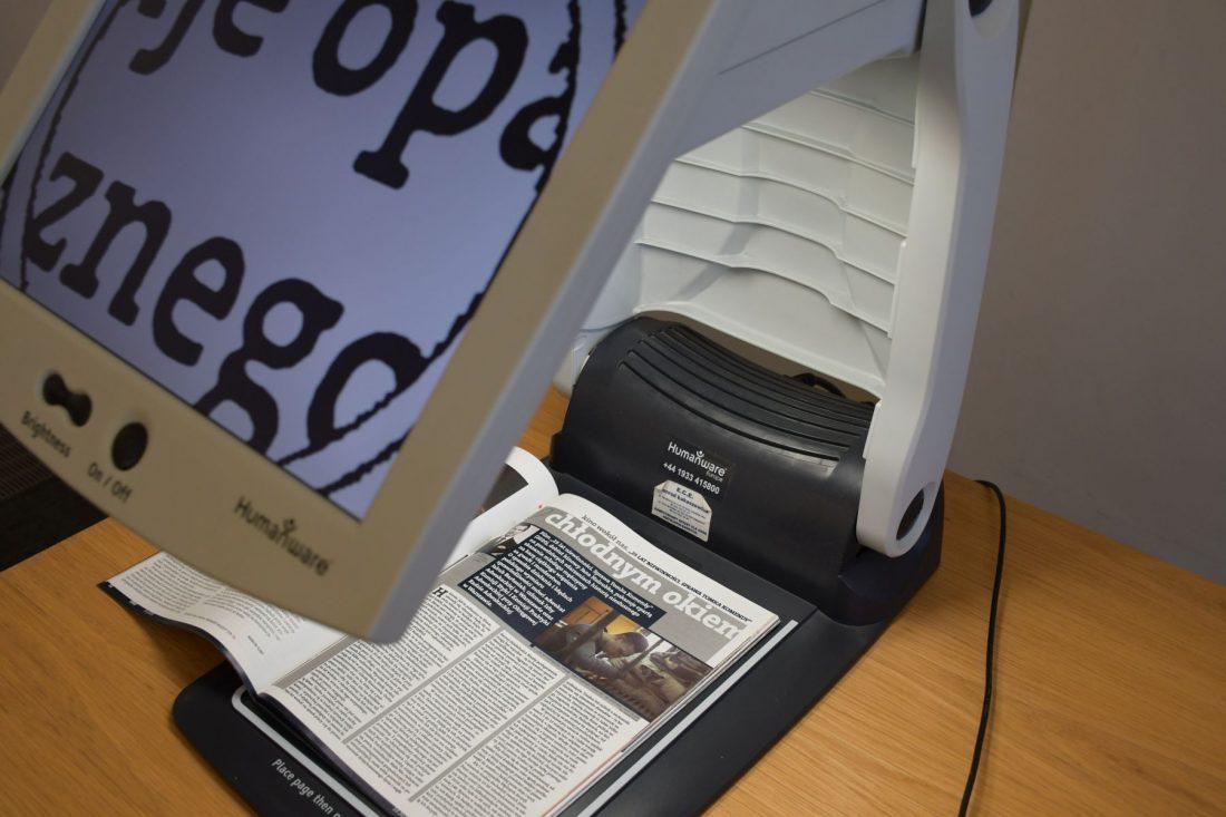zdjęcie powiększalnika z powiększonym tekstem